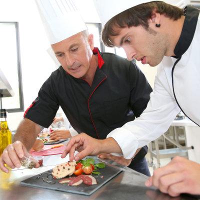 L'Etat accorde 335 € aux apprentis de moins de 21 ans
