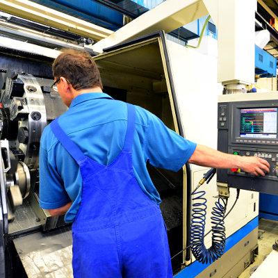 Convention Pôle emploi – UIMM pour valoriser les métiers et l'attractivité du secteur de l'industrie