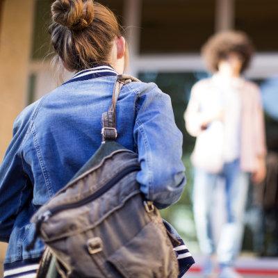 Progression des reprises d'études pour les jeunes en début de vie active