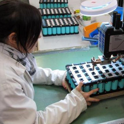 Batteries électriques : nouveau métier pour secteur d'avenir
