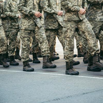 Liste des formations spécialisées des militaires et engagement à servir
