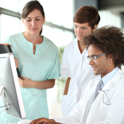 Vérification des connaissances des professionnels de santé voulant exercer en France