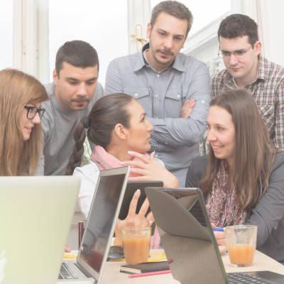 45 % des 15-34 ans en emploi satisfaits de leurs études