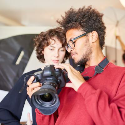 Nette progression de stagiaires en formation dans le secteur de la photographie